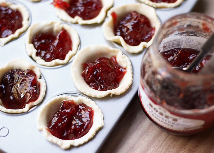How to make jam tarts
