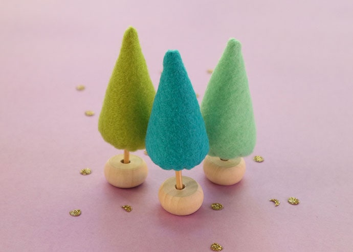 Mini Felt Trees – Make a Tiny Christmas Forest