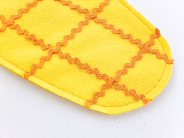 Let's make a felt pineapple christmas stocking mypoppet.com.au