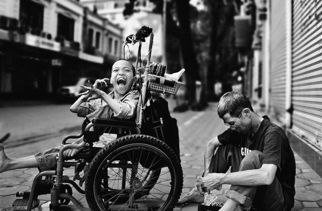 Street-photography-smile