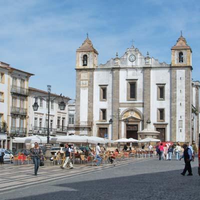 Evora, Portugal; a tourism and holiday guide