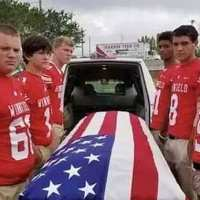 Six teens step in as pallbearers for war veteran with no close male relatives