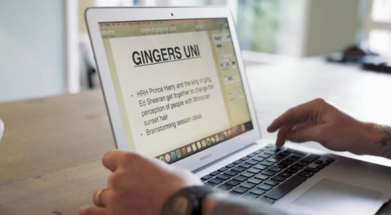 "Ed Sheeran deleting the words ""gingers unite"""