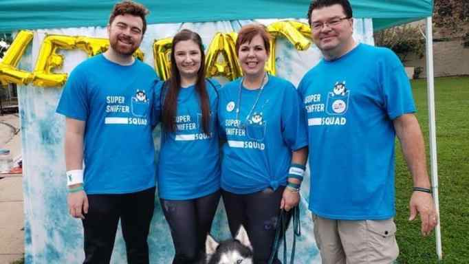 Stephanie Herfel helps raise ovarian cancer awareness with her family