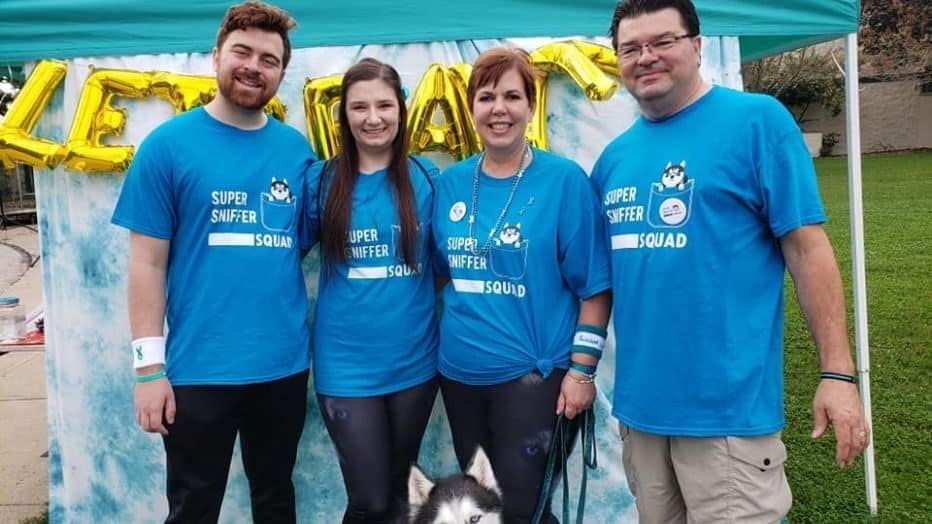 Stephanie Herfel helps raise ovarian cancer awareness with her family