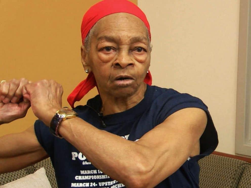 Powerlifting grandma taught thief a lesson.