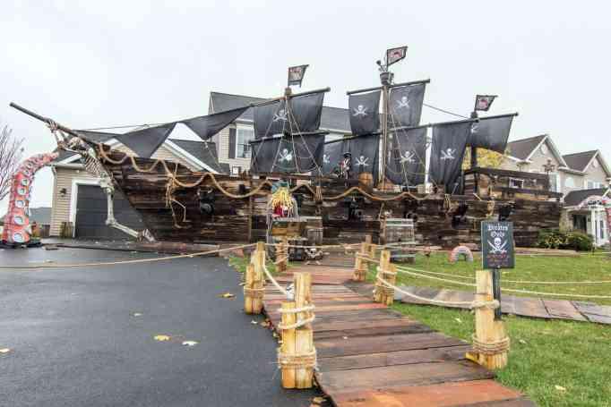Pirate ship Halloween decor
