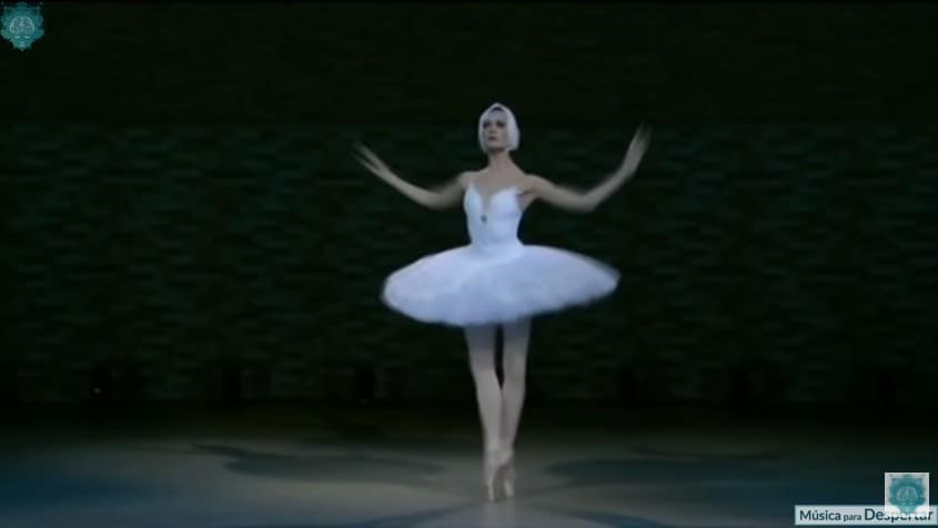 Marta C. González performing Swan Lake in the 1960s
