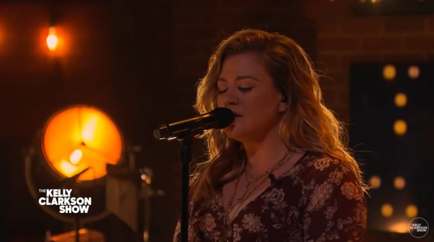 Kelly Clarkson performing Unchained Melody by The Righteous Brothers at The Kelly Clarkson Show