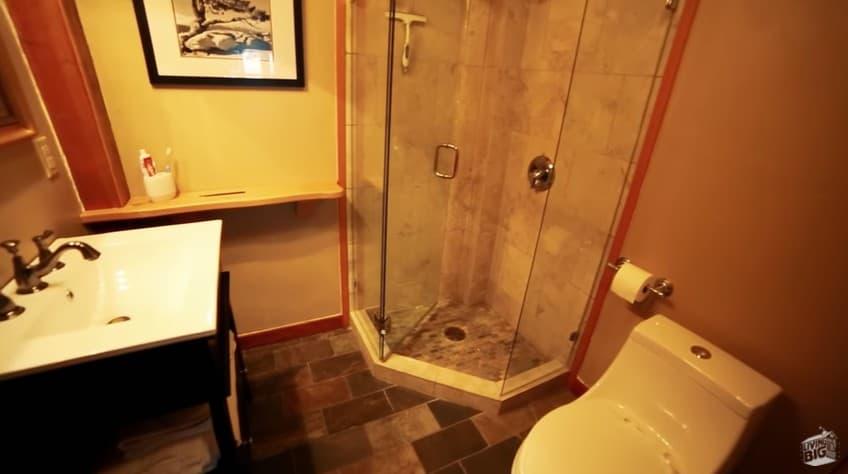The bathroom inside Winckler Cottage