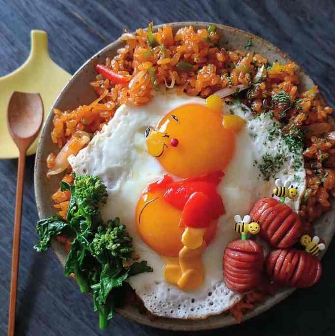 Winnie the Pooh in a character bento by Etoni Mama
