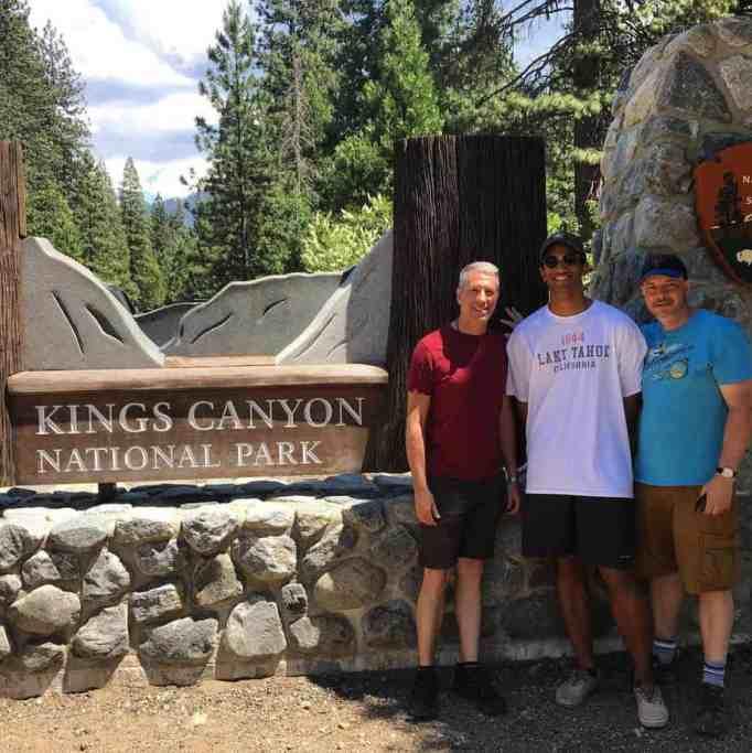Дэнни Стюарт, Пит Меркурио и Кевин в национальном парке Кингз-Каньон