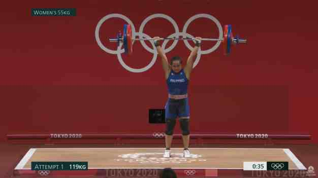 Hidilyn Diaz competing in the Tokyo Olympics