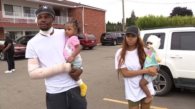 Ray Lucas and Shi'Ann Brown with their twin daughters