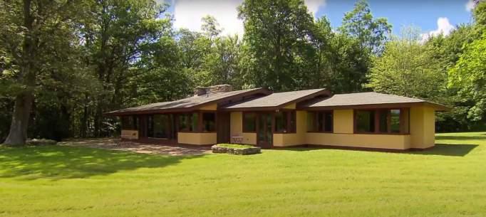 Blum House designed by Frank Lloyd Wright apprentice.