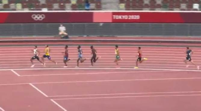 Participants running on the track during the men's 800-meter semifinals in the Tokyo Olympics