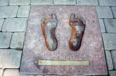 Baltic Chain Feet