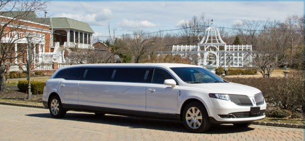 Limousine Car Price in Pakistan 2016 New Model Shape Pictures