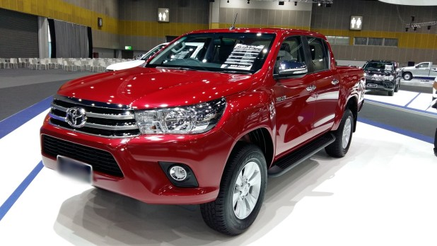 Toyota Hilux 4x4 Double Cab Standard 2017 Model Features Colors Price In Pakistan Canada UAE