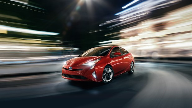 Toyota Prius S 1.8 Model 2018 Price in Pakistan Specification Images Shape Fuel Mileage | Cars Price in Pakistan