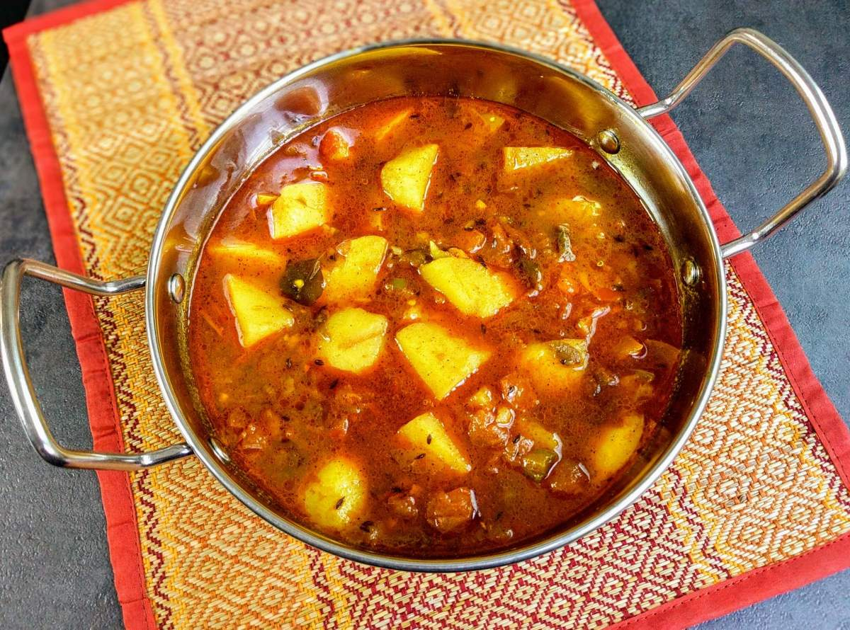 Aloo Tamatar Ki Sabzi Recipe | Potato & Tomato Curry