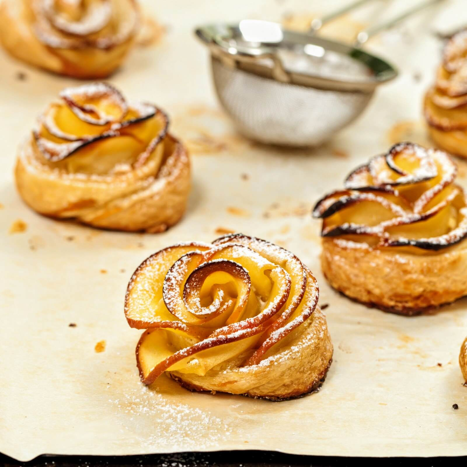 Apple Roses With Puff Pastry Recipe