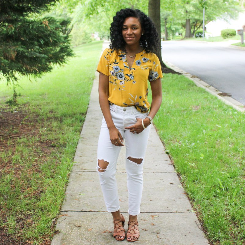 Old Navy Yellow Shirt with White AE Jeans-9794