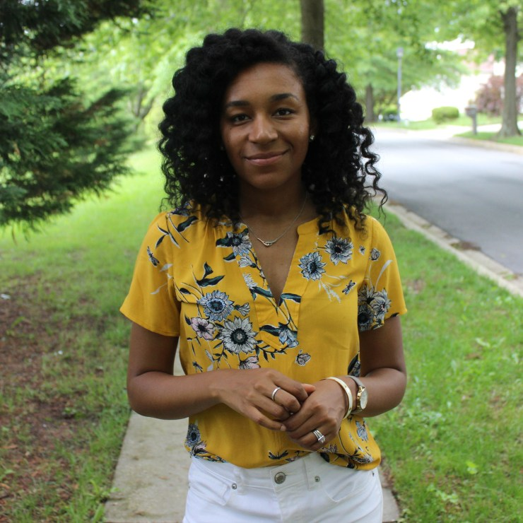 Old Navy Yellow Shirt with White AE Jeans-9858
