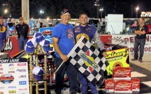 Dunleavy (left) to pay out $10,000 to the North-South Shootout tour-type Modified winner. (GB3 Racing photo)