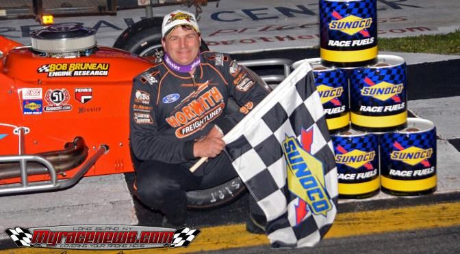 Eric Beers nips Matt Hirschman in RoC opener at Mahoning Valley Speedway