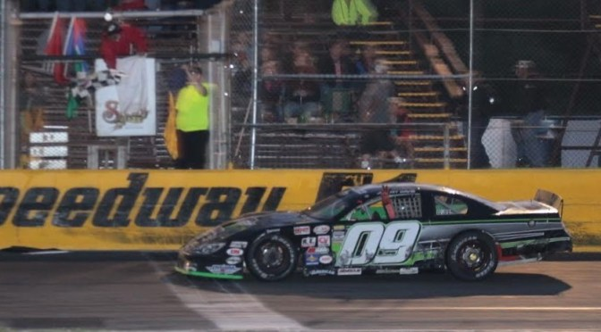Davis Dominates at Speedway 51