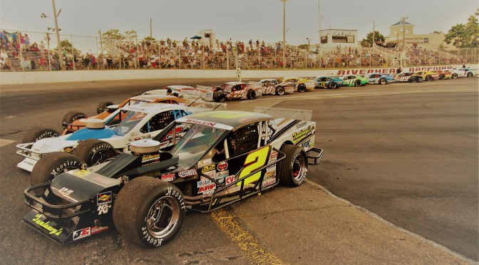 NASCAR Announces 2017 Schedule For Unified Whelen Modified Tour