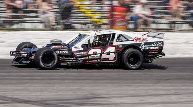 LATE RACE CHARGE GIVES PATNODE TTOMS WIN AT STAR