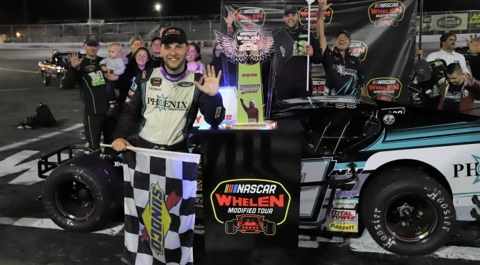 JUSTIN BONSIGNORE WORKS OVERTIME FOR 4TH STRAIGHT RIVERHEAD RACEWAY NASCAR WMT VICTORY SATURDAY NIGHT IN MILLER LITE 200