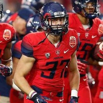 Carter Hehr runs out on the field with Arizona in 2015. (Submitted/SLN)