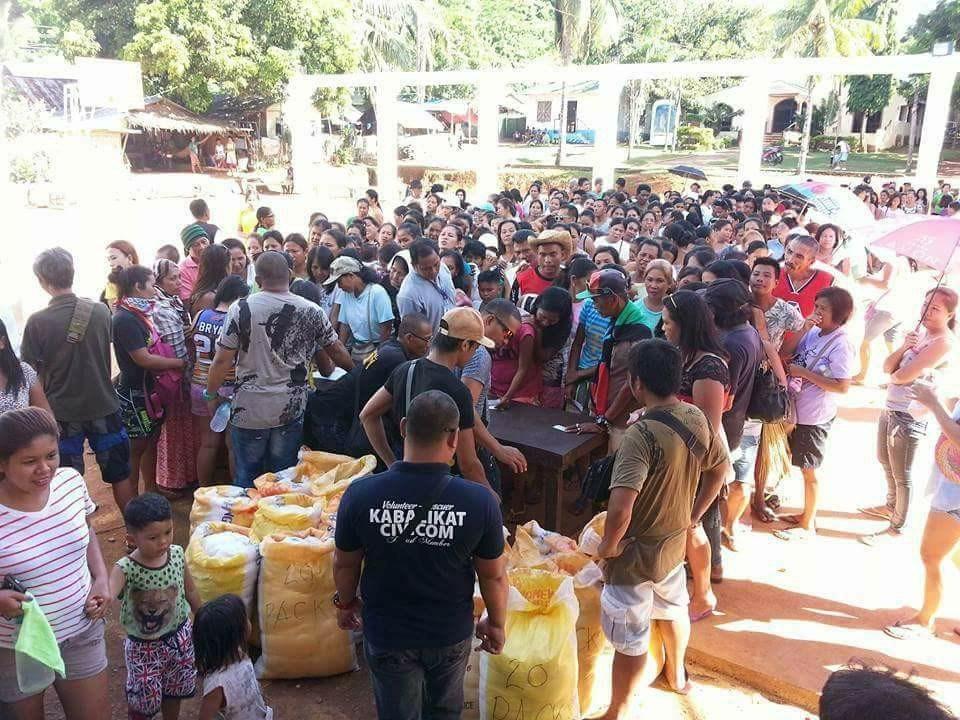 Community Service and Gift Giving at Barangay Yapak during closure