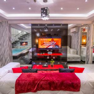 Lukslofts Hotel Loft Living Area & Entertainment System