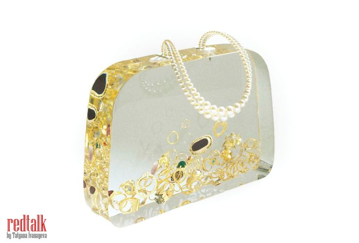 ted_noten_ageeths_dowry_bag_1999_redtalk