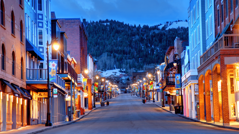 The 15 Best Places in the USA to Spend Christmas