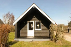 Endnu en hytte i landsbyen