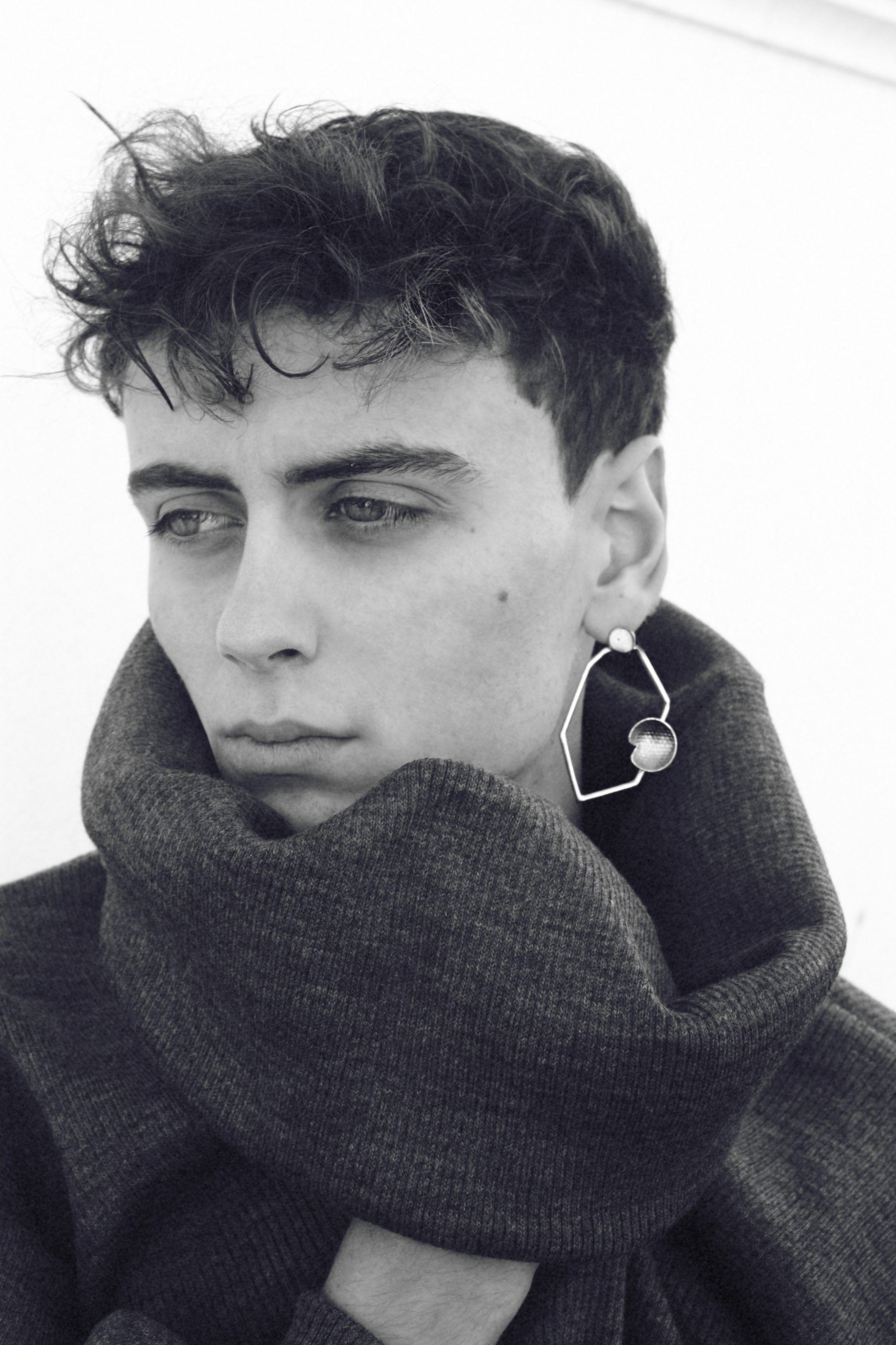 Marc Soler with Myriam Moreno earring o2