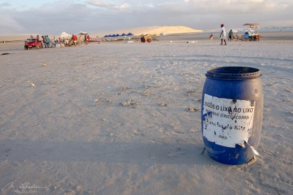 litter bin on the Jericoacoara beach in Brazil