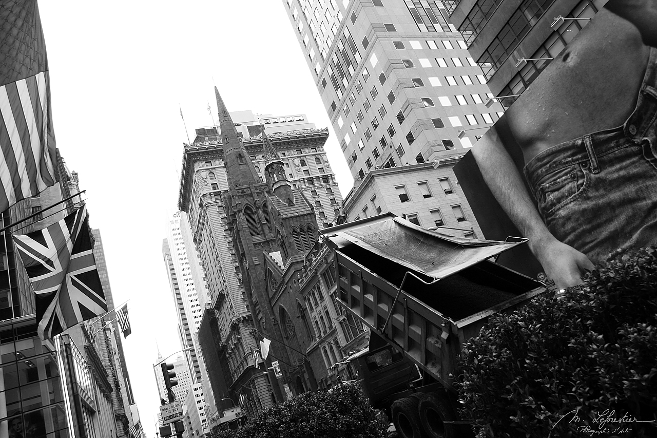 New york city of contrasts, 5th avenue presbyterian church - black and white photography Myriam Leforestier