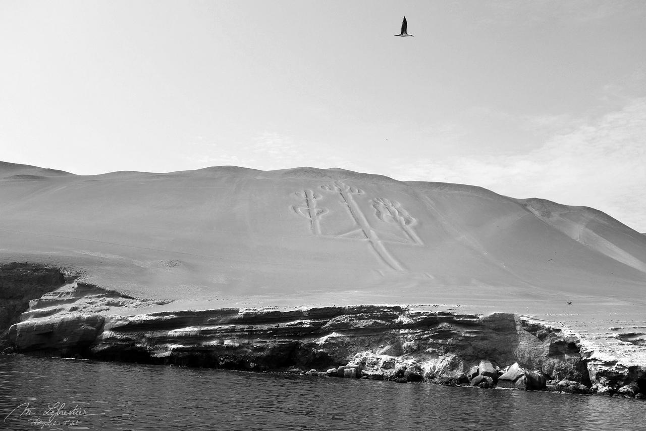 Islas Ballestas, Paracas Candelabra Peru prehistoric geoglyph