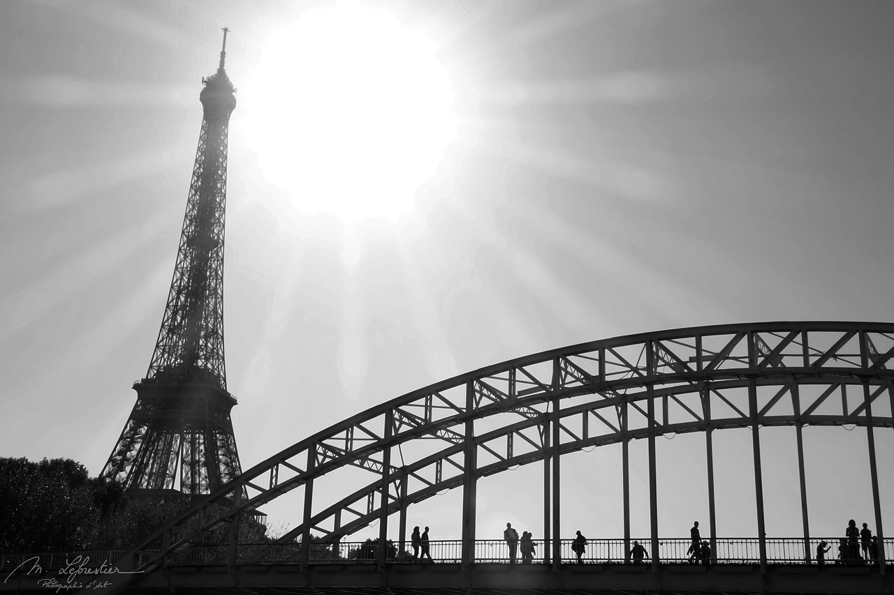view on the Eiffel tower in Paris in black and white