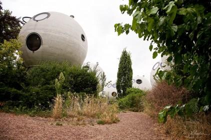 design spherical houses by Dries Kreijkamp unique style in den Bosch netherlands
