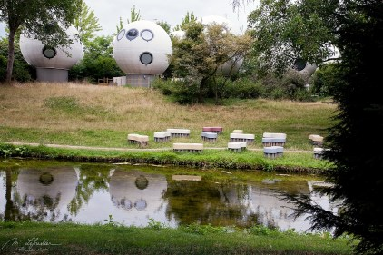 round spherical housing in the Netherlands designed by Dries Kreijkamp in den Bosch