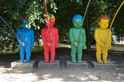 peeing boys Kiev