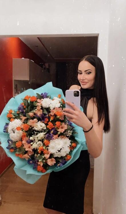 Julia ukrainian womens curling team