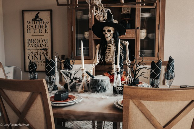 Spooky Dining Room Decor for Halloween